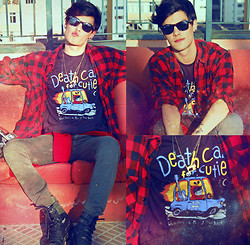 Vini Uehara - Reverbcity Death Cab For Cutie T Shirt - We have the facts and we're voting yes