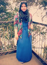 Iyza Ariff - Poplook Greecian Dress, Thrift Vintage Blazer, Diy Tote Bag, Own Pashmina, Vincci Accessories Shades - Feelin' blue and vintage