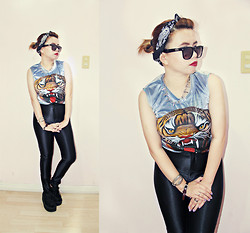 Patchie Valerio - Reinvent Co Velvet Tiger, Vans Sunnies, American Apparel Disco Pants, Demonia Creepers - MOD PIN UP
