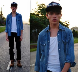 Matthew Rosinski - H&M Cap, H&M Jeans Shirt, Zara Black Pants, Shoes - Summer morning 5:12 am