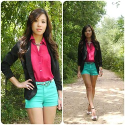 C. Le - Forever 21 Blazer, H&M Shorts, Bakers Shoes, Forever 21 Shirt - Frozen In Time