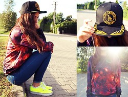 Marita Sürma - Mr. Gugu & Miss Go Blouse - L.A. snapback, vans and cosmos