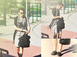 Kamil Łukasz Ignacy - Reserved Bag, No Name Shorts, Ray Ban Sunglasses, H&M Shawl, Heavyduty Shoes - Sunny Day