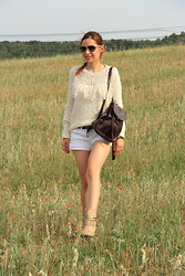 Sandra P - Pull & Bear Jumpsuit, Blanco Shorts - Countryside...