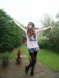 Charlotte Kinsella - Florence Tour T Shirt, Usa Striped Shorts, Black Bow Heels, Black Beanie - Shake it out.