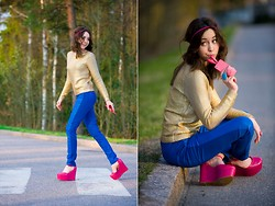 We Inspire Us . - H&M Golden Sweater, Cubus Leather Pants, Nelly Hot Pink Wedges - Gold Sweater and Blue leather pants
