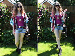 Heather Louise - Band Of Gypsies Kimono, Next Vest, Primark Shorts, Asos Belt, Topshop Boots - Secret Garden