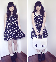 Meisu ☆ - Bow Print Dress, Lace Socks, Platform Sneakers - Bows and lace