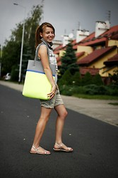 Natalie O. - Zara Sandals, Pull & Bear Shorts, Patrizia Pepe Bag, Stradivarius Vest, H&M Top - #12 walking down the street