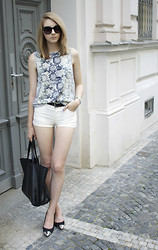 Pavlina J. - H&M Top, H&M Hotpants, Topshop Shoes, Céline Bag - Hotpants