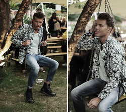 Andreas Wijk - Camilla Norrback Shirt, Weekday T Shirt, Diesel Jeans, Dr. Martens Shoes - Eden.