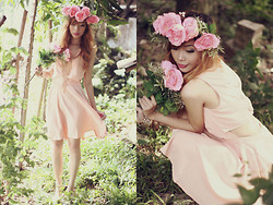 Rhea Bue - Diy Floral Headdress, Holy Bubbles, Take Me Back Cutout Peach Dress - LOOK 88: Nothing else but flowers...