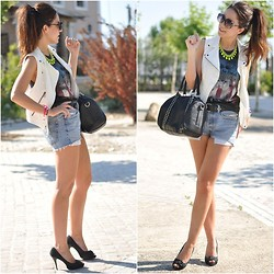 Crris LoveShoppingandFashion - Zara Vest, Levi's® Shorts, Zara Necklace, Parfois Bag - White vest