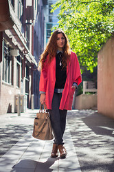 Yeliz S - Bassike Trench, Asos Shirt, Mango Bag - Happy Raincoat