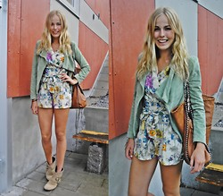 Frida Johnson - H&M Jumpsuit, Jacket, Boots - FLORAL JUMPSUIT