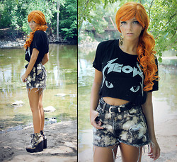 Melania Plasko - Unif Meow Tee, Badland Belle Diy Studded Shorts, Jeffrey Campbell Cat Shoes - Catalyst