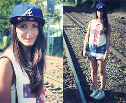 Estelle P - New Look Usa Crossed Tshirt, New Era Blue Cap, Converse White Converses - Down the drain