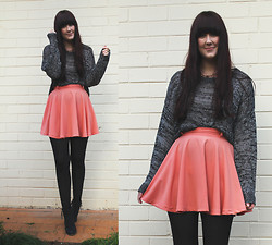 Emmy Leelahlou - Cotton On Speckled Knit, Minkpink Coral Skater Skirt - Speckle