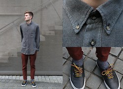 ABC . - Thrifted Collar Shirt, Love Copper Jontys, Vans Classic, Mr Minit Leather Laces, Random Asian Store Grey Socks - And so my socks match my shirt