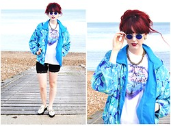 Chloë Carter - Vintage T Shirt, Topshop Chain, Vintage Jacket, Second Hand Cycling Shorts, Topshop Gold Creepers, Vintage Inspired John Lennon Sunglasses - Her Eyes Were the Colour of Oceans