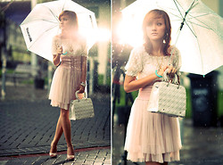 Desy Frankissy robertson - Fld Shoes, Gucci Bag, Kiss Pink Pastel Dress - Waiting till the pastel melt...