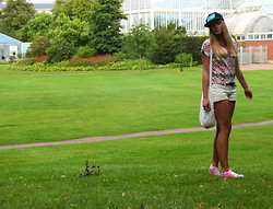 Jennifer Nilsson - Sweet Cap, Forever 21 Shirt, Converse Shoes - ★ sweet ★