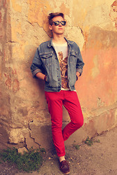 Mykola Hruts - Enox Wayfarer Glasses, American Eagle Denim Jacket, Zara Saturated Photos T Shirt, H&M Red Skinny Jeans - You Say Yes I Say Yes