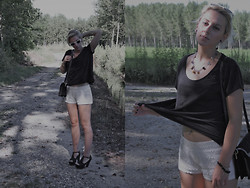 Marta Långstrump - H&M Black Shirt, H&M Lace Shorts, Vintage Purse, Romwe Black Heels - Time Stops - Explosions in the Sky