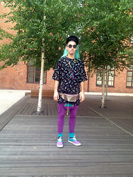 Onton Abstract - Versace Mask, Lisa Shahno Polygon, Nba T Shirt, Varenye Square Pans, Nobrand Kidskeys - Love is after the game