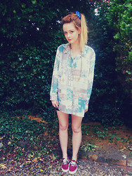 Leigh Travers - Vintage Shirt, Vans - SPICE UP YOUR LIFE!