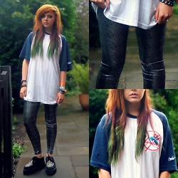 Saskia I - Demonia Creepers, Yankee Merch Shop Tshirt - That's the truth with your cloak full of eagles