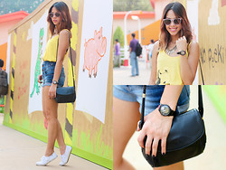 Patricia Prieto - Ray Ban Sunnies, Gap Tank Top, Bench Bra, Topshop Shorts, Lanvin Bag, Keds Sneakers - I'm at Toy Story Land