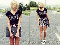 Lidia Nawara - Sunglasses, H&M Top, Skirt, Sh Bag, Braclet, Vans Shoes - Aztec