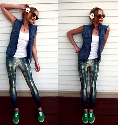 Clove Bud - Lovely Sally Enchanted Forest Leggings, Vans - Faux Punk Fatigue