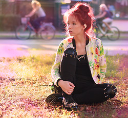 Wioletta Mary Kate - Romwe Leggins, Sheinside Jacket, Papilion.Pl Shoes - FLORAL JACKET
