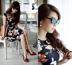 Kryz Uy - Amber Avenue Dress, Romwe Eyewear, Melissa Heels, Maris Bag - Amber Avenue GIVEAWAY on my blog + WIN A TRIP TO NYFW!