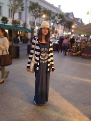 Zuzanna Niedzielska - Topshop Striped Cardigan, H&M Maxi Dress, H&M Eco Bag - Nowy Świat