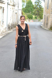 Amanda H. - Urban Outfitters Black Maxi Dress - The Black Maxi Dress