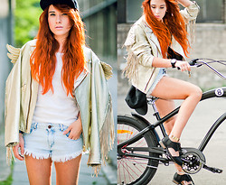 Kate Pe. - Zara Shorts, Cut Out Shoes, Snapback, Jeremy Scott Gold Wings Jacket, Electra Straight 8 - Wanna go for a ride?
