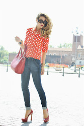 Nicoletta Reggio - True Religion, Queens Wardrobe, Tous, Bakers - Pois !