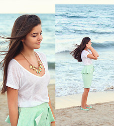 Diana Nesterov - Zara T Shirt - Evening on the beach