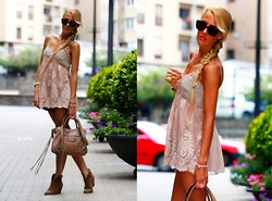 Victoria Kemerer - Balenciaga Bag, Twin Set Tank, Alló Martinez Shorts - Romantic summer