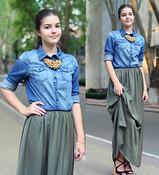 Diana Nesterov - H&M Denim Shirt - Maxi skirt