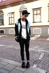David Yonas - Demonia Creepers, H&M Cap, Secondhand, Secondhand Malbouro Tee - Pastel / animalparty @ instagram