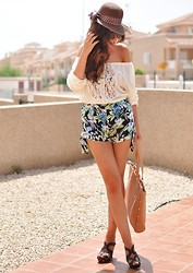 Crris LoveShoppingandFashion - Met Shirt, Lefties Shorts - PRISCA