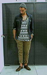 Ben ALLARD - All Saints Beanie, Levi's® Denim Shirt, H&M Aztec Tank, Zara Chino, Zara Derby - Terrassa