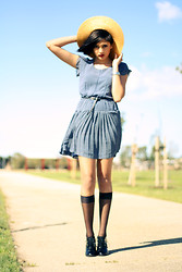 Elysa Cramer - Alice In The Eve Polkadot Dress, Novo Heeled Oxfords - Windy Extremes // 29.08.12