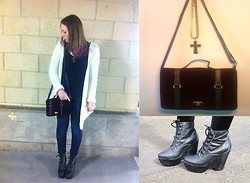 ○○✝Ashley Dolan✝○○ - Topshop Cross Necklace, Matalan Burgundy Velvet Bag, Topshop Cream Cardi With Silver Studs, Primark Black Top, Levi's® Demi Curve Levi's, Jeffrey Campbell Black Tardy Boots - Biffy Clyro- Stingin' Belle