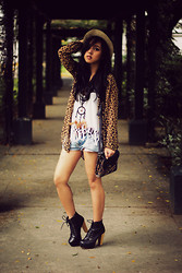Andie Javelosa - Topshop Bag, Lita Boots, Cheetah Print Robe, Fringe Top, Dream Catcher Necklace - Golden Light
