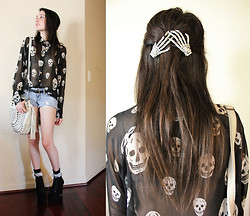 "Allie Finch - Love Culture Skull Blouse, Melie Bianco White Studded Shoulder Bag, Bullhead Ripped Denim Shorts, Ebay ""Cuban Style Heel"", Etsy Skeleton Hand Clips - Skully"